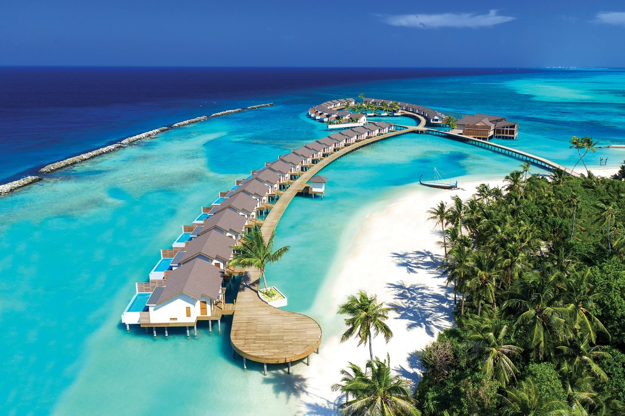 Best luxury resorts in the Maldives by Atmosphere Hotels and Resorts