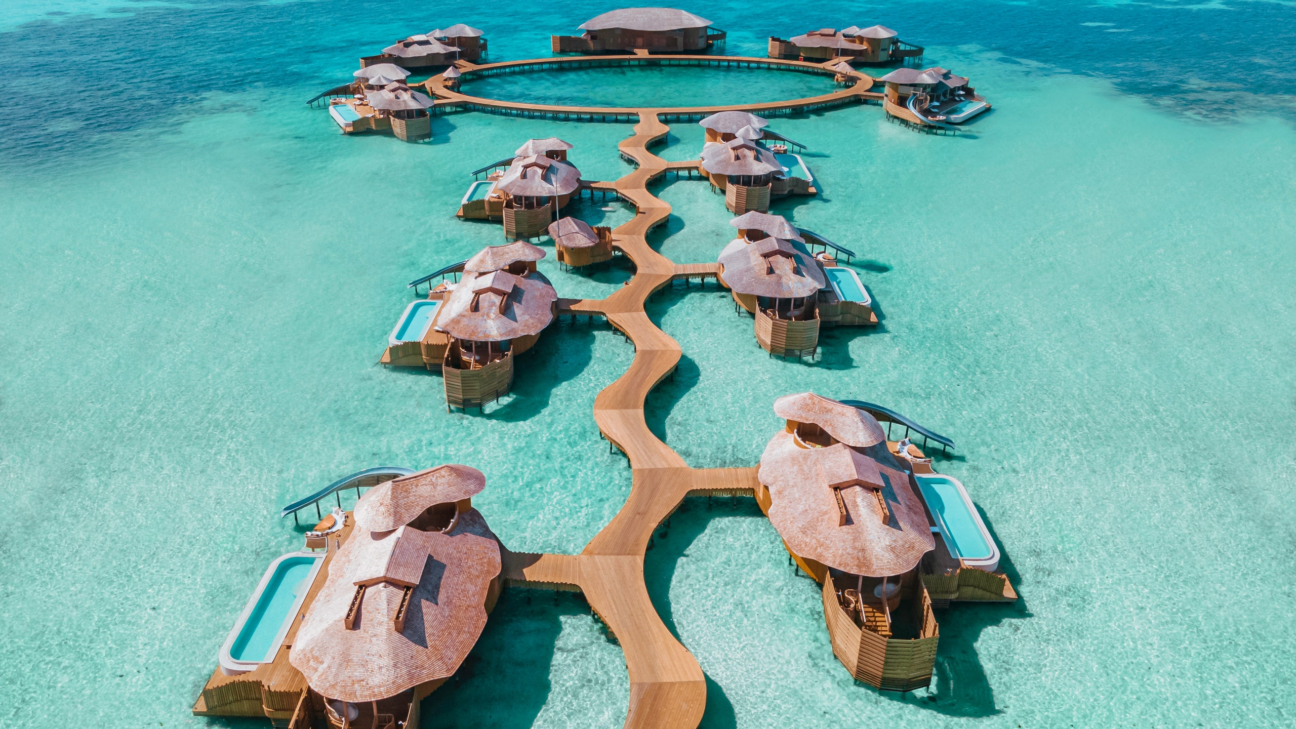 The ten best all-inclusive resorts in Maldives .