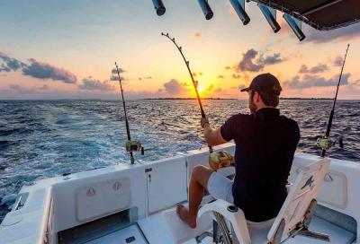 SUNSET FISHING IN MALDIVES